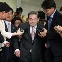 """<p class=""""Normal""""> <strong>1. Lee Kun-hee</strong></p> <p class=""""Normal""""> Tài sản: 17,3 tỷ USD</p> <p class=""""Normal""""> Tăng/giảm so với 2019: 0,5 tỷ USD</p> <p class=""""Normal""""> Nguồn tài sản: Samsung, Samsung Electronics</p> <p class=""""Normal""""> Lee Kun-hee, Chủ tịch Samsung Group - tập đoàn lớn nhất Hàn Quốc, là con trai thứ 3 của người sáng lập tập đoàn Lee Byung-chul. Tài sản của ông bao gồm cả tài sản của vợ Hong Ra-hee - con gái của ông trùm truyền thông sở hữu một trong những tờ báo lớn nhất Hàn Quốc.</p> <p class=""""Normal""""> Tháng 5/2014, ông Lee bị đột quỵ và phải nằm viện. Đến nay, không có nhiều thông tin về tình trạng sức khỏe của tỷ phú 78 tuổi này. Ảnh: <em>Bloomberg</em>.</p>"""