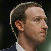 Hành trình thâu tóm quyền lực tại Facebook của Zuckerberg