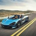 """<p class=""""Normal""""> <strong>2. Cột C bằng thủy tinh của McLaren 720S Spider</strong></p> <p class=""""Normal""""> Thương hiệu siêu xe Anh quốc đã áp dụng một chi tiết rất độc đáo lên mẫu 720S Spider. Cột C của xe được làm bằng thủy tinh. Điều này không chỉ giúp ngoại hình của xe thêm thanh thoát, nó còn hạn chế điểm mù phía sau.</p> <p class=""""Normal""""> Kết hợp cùng với thiết kế đậm tính khí động học, cabin của McLaren 720S Spider trông giống như buồng lái của chiến đấu cơ. Thậm chí, tầm nhìn của siêu xe này còn bao quát và khoáng đãng hơn chiếc hatchback nhỏ gọn Volkswagen Golf GTI. Ảnh: <em>Top Gear</em>.</p>"""