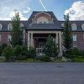 <p> Một khách sạn hào nhoáng, mang phong cách cổ điển, chỉ có thể được đặt phòng bởi cư dân của khu Agalarov.</p>