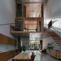 <p> Ngôi nhà có diện tích 170 m2, nằm ở ngã tư trong con hẻm nhỏ tại Quy Nhơn, Bình Định, được xây dựng cho 4 thành viên trong gia đình có cặp vợ chồng và 2 con trai tên Bin và Bon.</p>