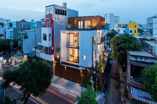 Ngôi nhà hơn 400 m2 ở TP HCM không dư thừa không gian