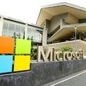 <p> Ở tuổi sinh viên, Huang bắt đầu thực tập tại văn phòng Bắc Kinh của Microsoft. Tuy nhiên, sau khi tốt nghiệp, Huang quyết định rời gã khổng lồ xứ Redmond. Theo một cố vấn học tập giấu tên, Huang lúc ấy đã nhắm đến một công ty có tên Google. Nếu gia nhập Google, người cố vấn này khuyên Huang nên ở lại trong ít nhất 3 năm để vươn lên nắm giữ một vị trí quan trọng. Ảnh: <em>AP.</em></p>