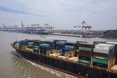 Thương mại Trung Quốc bất ngờ tăng trưởng trong tháng 6
