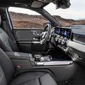 <p> <strong>Mercedes-Benz GLB: 57.500 USD</strong></p> <p> Theo WardsAuto, khoang nội thất Mercedes-Benz GLB là một tác phẩm nghệ thuật được hãng xe sang nước Đức chế tác. Các chi tiết được bố trị gọn gàng, sử dụng các vật liệu da cao cấp, nhôm kết hợp các mảng ốp gỗ. Mercedes-Benz GLB được trang bị hai màn hình kép 10,25 inch cho người lái và hệ thống giải trí đi kèm giao diện người dùng MBUX, hỗ trợ kết nối Apple CarPlay/Android Auto. Mẫu SUV này có trang bị hệ thống đèn nội thất với lựa chọn lên tới 64 màu.</p>