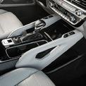 <p> <strong>KIA Telluride: 47.300 USD</strong></p> <p> Kể từ kể khi ra mắt thị trường ôtô thế giới, KIA Telluride liên tiếp gặt hái những giải thương danh giá trong lĩnh vực ôtô. Mẫu SUV này được cung cấp các phiên bản 7 - 8 chỗ kết hợp không gian rộng rãi cho người lái và hành khách. KIA trang bị cho Telluride ghế da tổng hợp hoặc Nappa, 6 cổng USB, ghế lái chỉnh điện 10 hướng, hàng ghế thứ 3 gập điện, hệ thống âm thanh 10 loa, sạc không dây…</p>