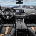 <p> <strong>BMW X6 M Competition: 131.800 USD</strong></p> <p> Theo đội ngũ giám khảo WardsAuto, nội thất BMW X6 M Competition là sự kết hợp tuyệt vời giữa các tính năng cao cấp và sự thoải mái, sang trọng. Hầu hết các chi tiết đều được bọc da kết hợp các mảng ốp carbon. BMW X6 M Competition sử dụng hệ thống thông tin giải trí iDrive 7.0 kết hợp màn hình cảm ứng 12,3 inch.</p>