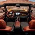 <p> Ford Bronco First Edition 2021 sở hữu hệ thống thông tin giải trí SYNC 4 với màn hình cảm ứng LCD 12 inch cỡ lớn, dẫn đường kích hoạt bằng giọng nói.</p>