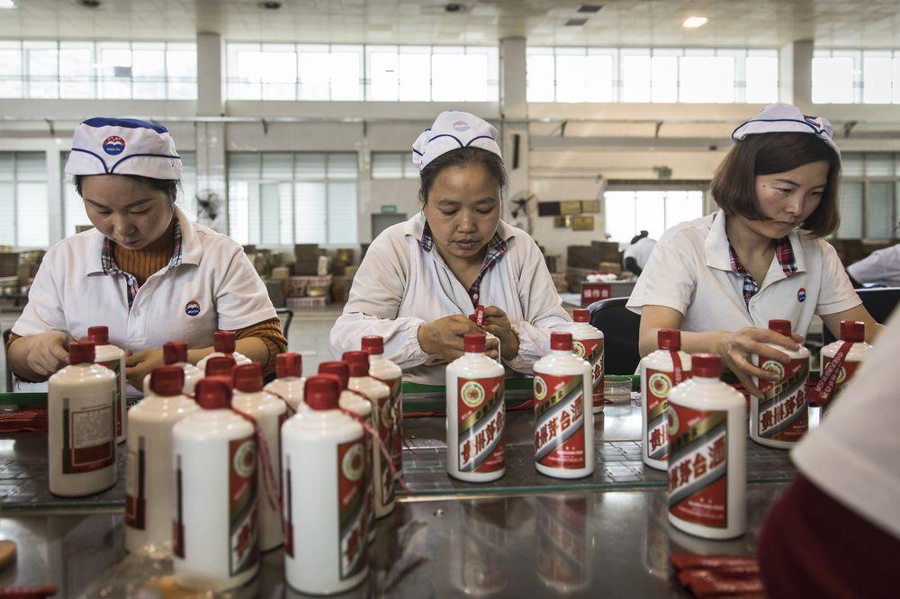 Cổ phiếu lớn nhất Trung Quốc giảm sâu, vốn hóa thị trường 'bốc hơi' 25 tỷ USD