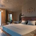 <p> Các vật liệu làm tường, trần, sàn và gạch phòng tắm có tông màu phù hợp, mang lại cảm giác thư thái trên bãi biển.</p>