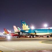 Giãn đều các chuyến bay tại Nội Bài và Tân Sơn Nhất