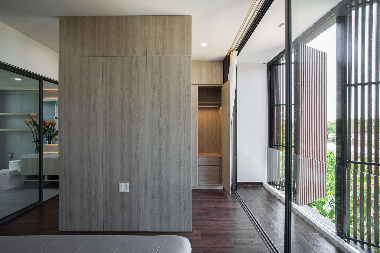 Ngôi nhà 230 m2 với phần quan trọng nhất là khu bếp và mảnh vườn nhỏ - Ảnh 9.