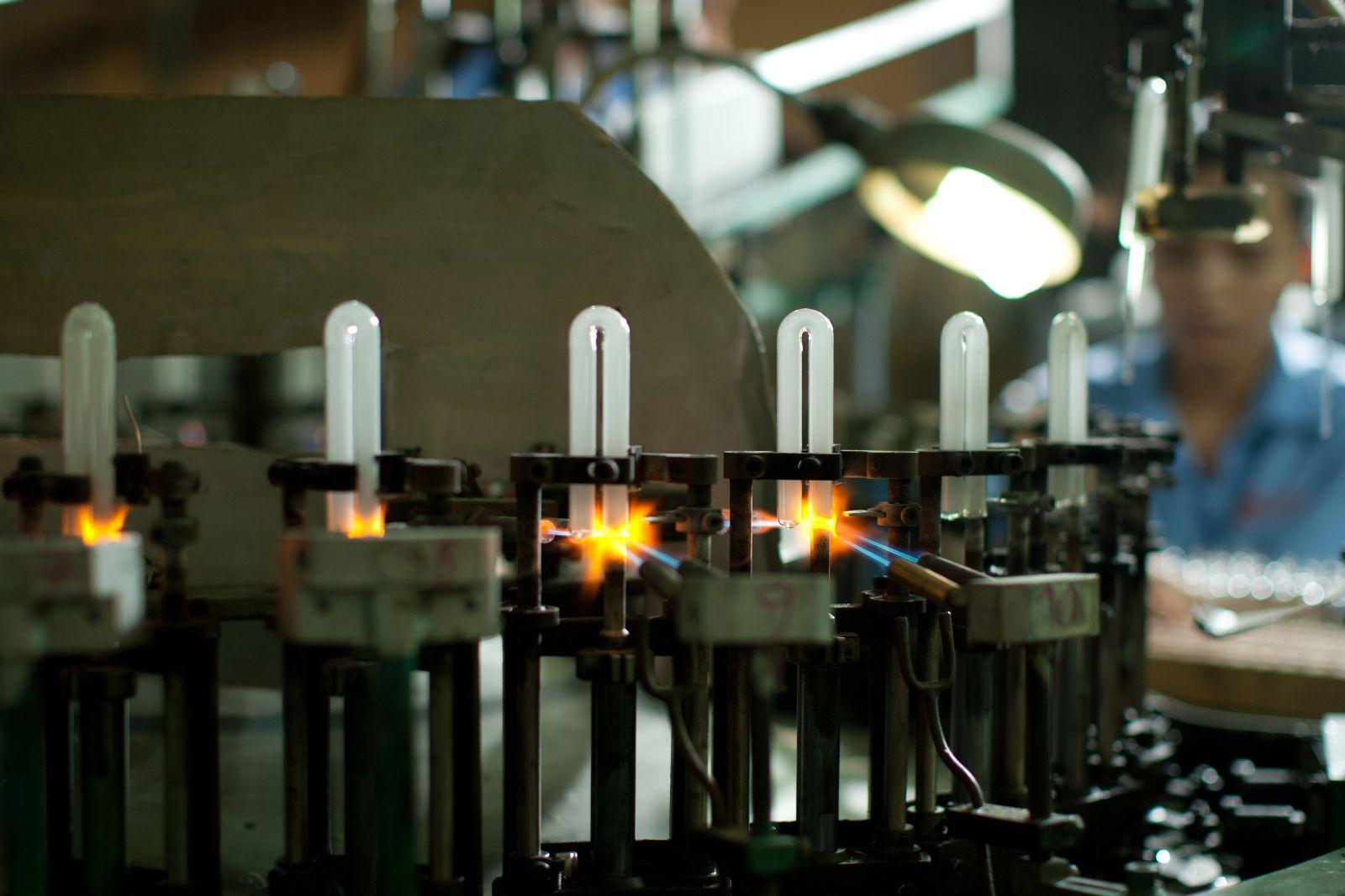 Bóng đèn Phích nước Rạng Đông báo lãi quý II tăng 42%