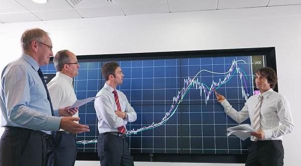 Khối ngoại bán ròng trở lại hơn 239 tỷ đồng, 'xả' mạnh HPG