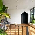 <p> Với ưu thế về diện tích, ngôi nhà có nhiều không gian thoáng mát.</p>