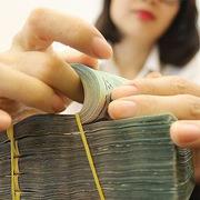 Cả ngân hàng và khách hàng đều phải tuân thủ các quy định khi gửi tiết kiệm