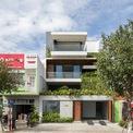 <p> Sunrise House là tên của ngôi nhà ở Vịnh Đà Nẵng, nhà xây trên khu đất rộng 243 m2, mặt sau hướng ra biển.</p>