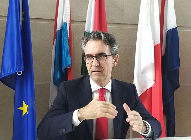"""Ông Giorgio Aliberti, Đại sứ, Trưởng phái đoàn Liên minh Châu Âu tại Việt Nam cho rằng: Việt Nam cần chuẩn bị chiến lược """"rút lui"""" cho nhiệt điện than."""