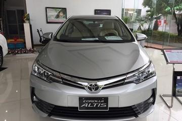 Toyota Altis giảm giá 180 triệu đồng xả hàng tồn