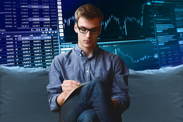 Khối ngoại mua ròng hơn 272 tỷ đồng trong ngày thị trường giảm mạnh