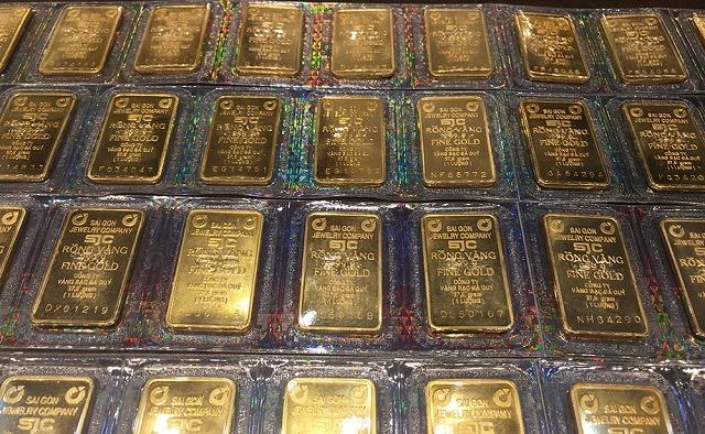 Giá vàng vượt mốc 55 triệu đồng/lượng