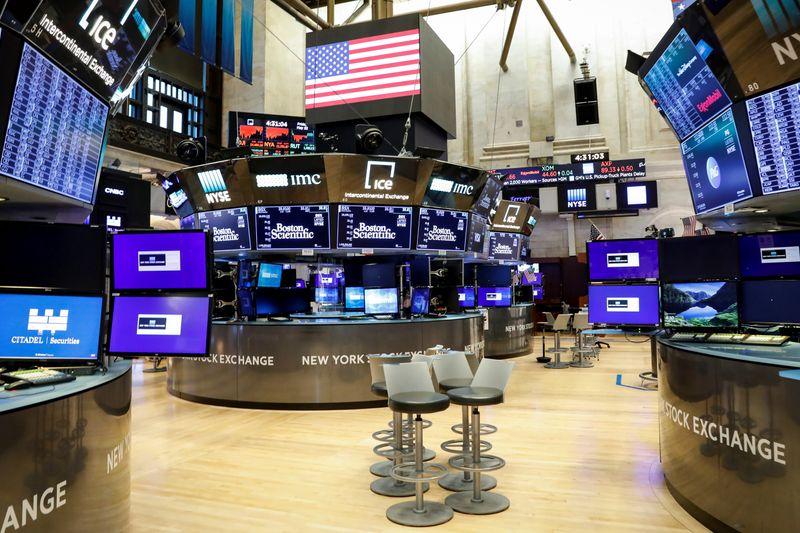 Cổ phiếu công nghệ bị bán tháo, Phố Wall giảm sâu