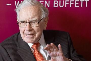 Warren Buffett tăng mua cổ phiếu ngân hàng