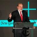 """<p class=""""Normal""""> <strong>Carlos Slim: 30 năm</strong></p> <p class=""""Normal""""> Tài sản: 53,2 tỷ USD</p> <p class=""""Normal""""> Nguồn tài sản: America Movil</p> <p class=""""Normal""""> Slim, 80 tuổi và một số thành viên gia đình kiểm soát công ty viễn thông lớn nhất Mỹ Latinh. Ông cũng đầu tư vào xây dựng, hàng tiêu dùng và các công ty bất động sản ở Mexico, đồng thời nắm giữ cổ phần của tờ New York Times. (Ảnh: <em>Kimberly White/Getty Images</em>)</p>"""