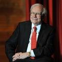"""<p class=""""Normal""""> <strong>Warren Buffett: 23 năm</strong></p> <p class=""""Normal""""> Tài sản: 72,5 tỷ USD</p> <p class=""""Normal""""> Nguồn tài sản: Berkshire Hathaway</p> <p class=""""Normal""""> Phần lớn tài sản của Buffett đến từ tập đoàn đầu tư Berkshire Hathaway của ông. Berkshire sở hữu cổ phần của các công ty trong nhiều lĩnh vực khác nhau từ Dairy Queen, Geico cho đến Apple... (Ảnh: <em>Steve Pope/Getty Images</em>)</p>"""