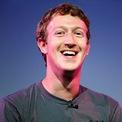 """<p class=""""Normal""""> <strong>Mark Zuckerberg: 4 năm</strong></p> <p class=""""Normal""""> Tài sản: 87,9 tỷ USD</p> <p class=""""Normal""""> Nguồn tài sản: Facebook</p> <p class=""""Normal""""> Mark Zuckerberg, 35 tuổi, thành lập mạng xã hội trong phòng ký túc xá của mình tại Harvard. Với 15% cổ phần tại Facebook, ông hiện giàu thứ 7 thế giới, tuy nhiên Zuckerberg và vợ dự kiến cho đi phần lớn tài sản của mình. (Ảnh: <em>Kim Kulish/Corbis via Getty Images</em>)</p>"""