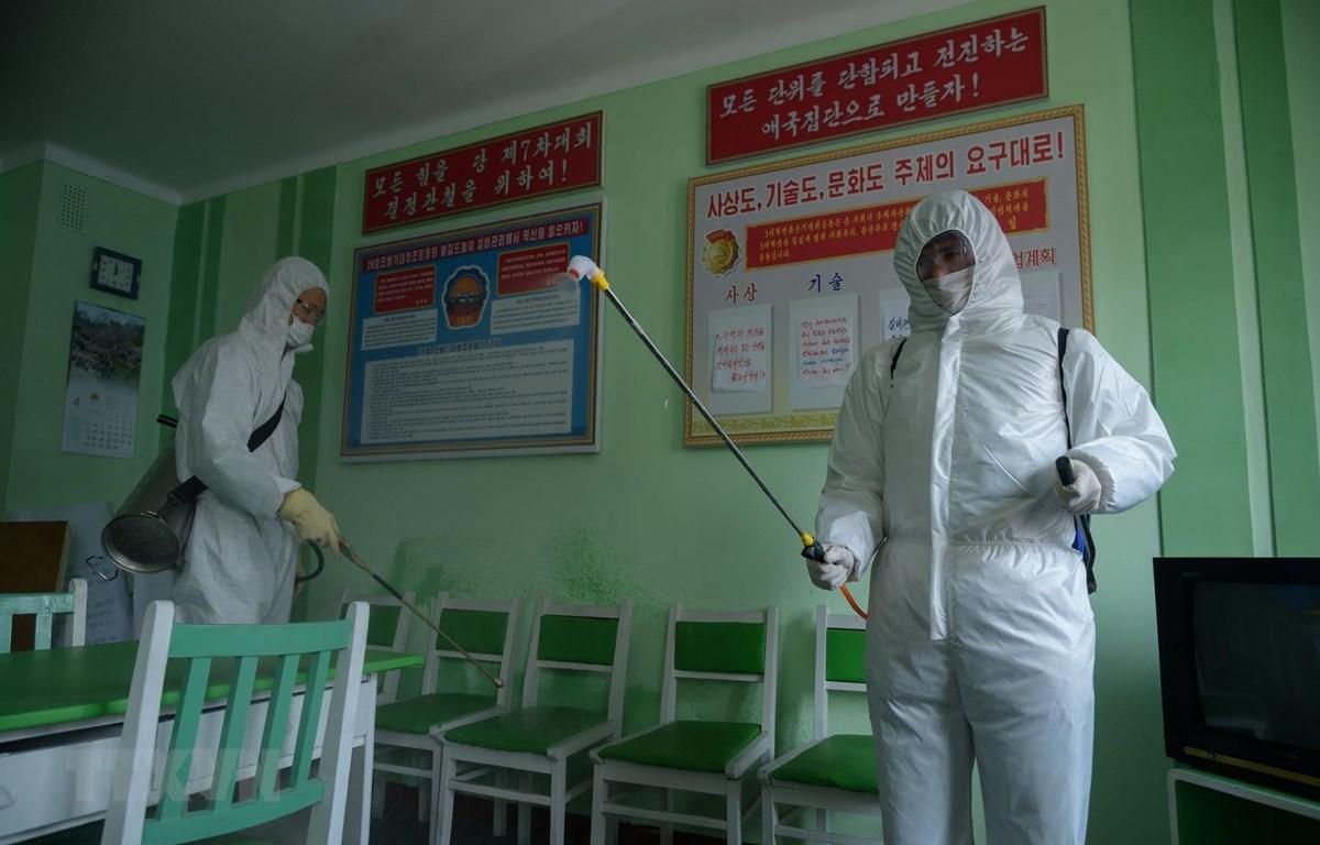 Triều Tiên thông báo ca nghi nhiễm virus SARS-CoV-2 đầu tiên