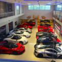 """<p class=""""Normal""""> Khalid Abdul Rahim thích sưu tầm những siêu xe hiện đại với hiệu năng cao thay vì xe cổ điển. Bộ sưu tập xe của ông gồm những chiếc như Lamborghini Miura, Porsche GT1. Cũng giống quốc vương Brunei, ông sở hữu một trong 20 chiếc Mercedes-Benz CLK GTR trên thế giới, có giá 1,5 triệu USD vào năm 1997. Ảnh: Instagram.</p>"""