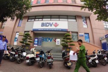 Chi nhánh BIDV Ngọc Khánh bị cướp, thiệt hại vài trăm triệu đồng