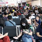 Hành khách đi máy bay, tàu xe phải đo thân nhiệt