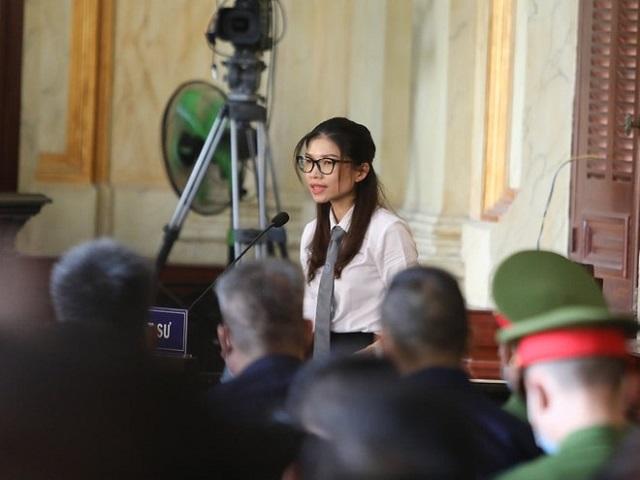 Luật sư bào chữa cho Dương Thanh Cường cho rằng cách tính thiệt hại hơn 505 tỉ đồng là hành vi đơn phương của Ngân hàng Sacombank. ẢNH: ĐẬU TIẾN ĐẠT
