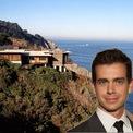 <p> Với khối tài sản của mình, Dorsey đã mua một chiếc BMW 3 Series, nhưng được cho là không mấy khi sử dụng. Ông cũng được đồn đoán mua một căn nhà ven biển trị giá 9,9 triệu USD tại El Camino Del Mar (San Francisco). (Ảnh: <em>Sotheby's</em>)</p>
