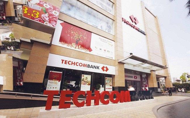 Lãi Techcombank 6 tháng tăng 19%, nợ xấu giảm 32%