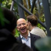 Jeff Bezos, Elon Musk, Mark Zuckerberg cùng 'bỏ túi' 115 tỷ USD trong năm 2020