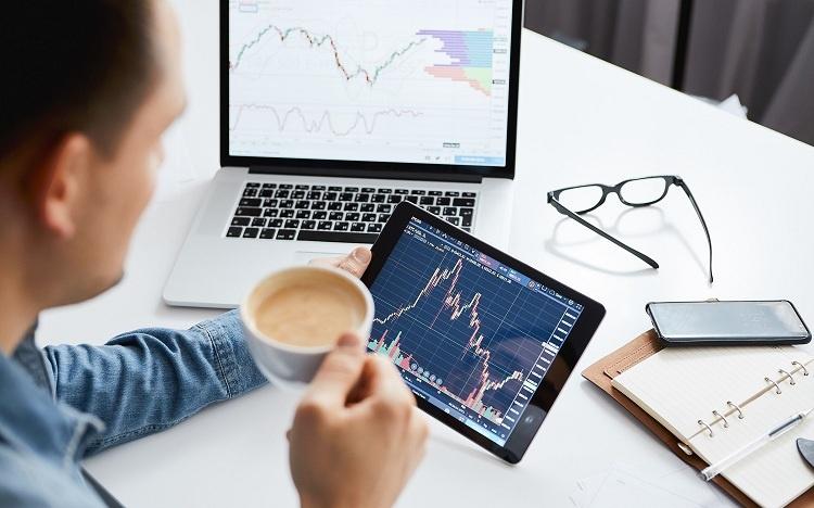 Khối ngoại mua ròng hơn 1.070 tỷ đồng trên HoSE trong 4 phiên thị trường biến động mạnh