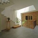 <p> Ngôi nhà cũng mang phong cách nhẹ nhàng, yên bình, bỏ xa những ồn ào tấp nập của cuộc sống bên ngoài.</p>