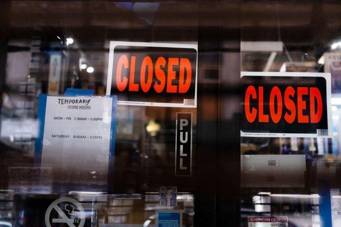 GDP Mỹ quý II giảm kỷ lục 32,9% vì Covid-19