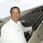 Từ người gác cổng tới CEO tỷ phú của Philippine Airlines