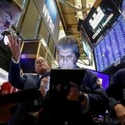 Fed tuyên bố hỗ trợ kinh tế Mỹ, Phố Wall tăng điểm