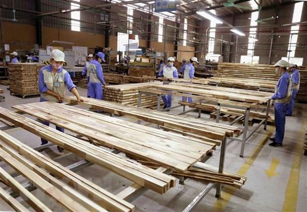 Đề xuất tháo gỡ tình trạng gỗ ván ghép bị ùn tắc tại các cảng biển