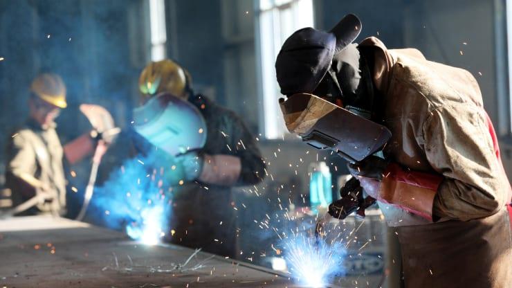 Sản xuất Trung Quốc tháng 7 vượt kỳ vọng, phục hồi tháng thứ năm liên tiếp