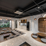 Nhà thiết kế đặc biệt: Phòng khách thấp hơn bếp, 3 không gian đón khách khác nhau