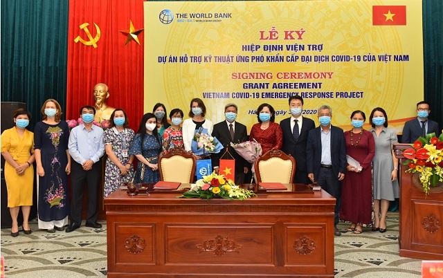 Buổi lễ ký kết nhận hợp tác giữa Ngân hàng Nhà nước và