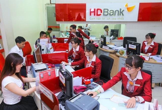 Lợi nhuận 6 tháng tăng 30%. Ảnh: HDBank.