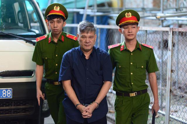 Ông Trầm Bê nhận thêm 3 năm tù vì gây thiệt hại hơn 500 tỉ - Ảnh 2.