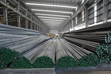 Sản lượng thép xây dựng Hòa Phát tháng 7 tăng 28% so với cùng kỳ